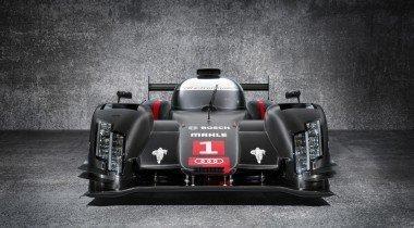 Новый Audi R18 e-tron quattro выходит на гоночную трассу