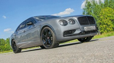 Bentley Flying Spur V8 S Black Edition. Оттенки «Черного»