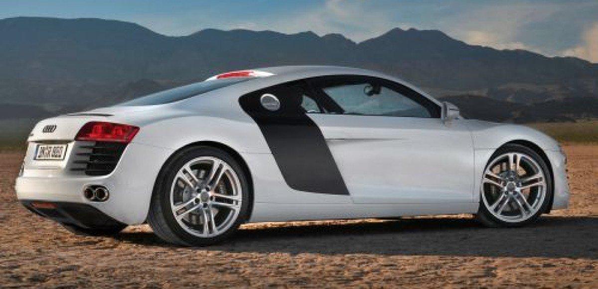 Певица Валерия получила на годовщину свадьбы роскошный автомобиль