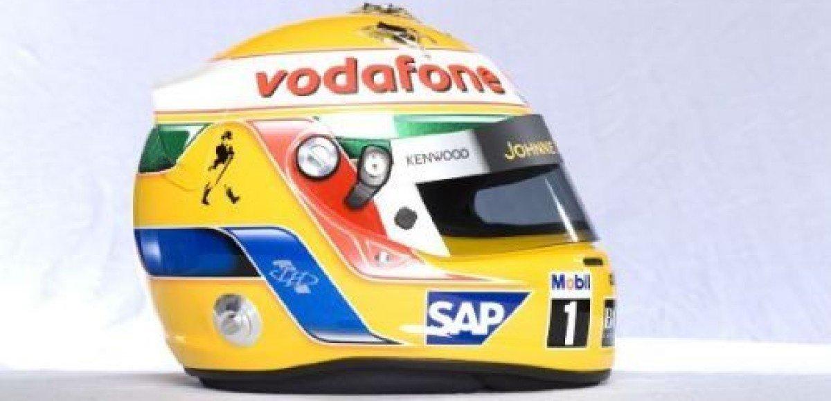 Тринадцать пилотов Формулы-1 выбирают шлемы Arai