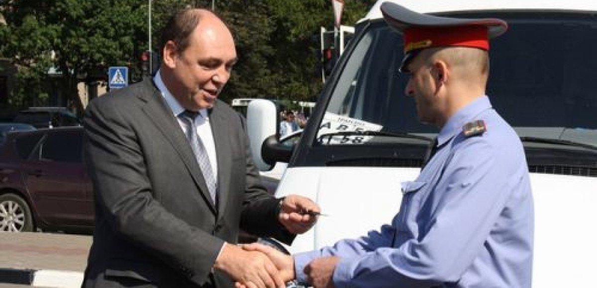 Москвичи получили возможность регистрировать автомобили через Интернет