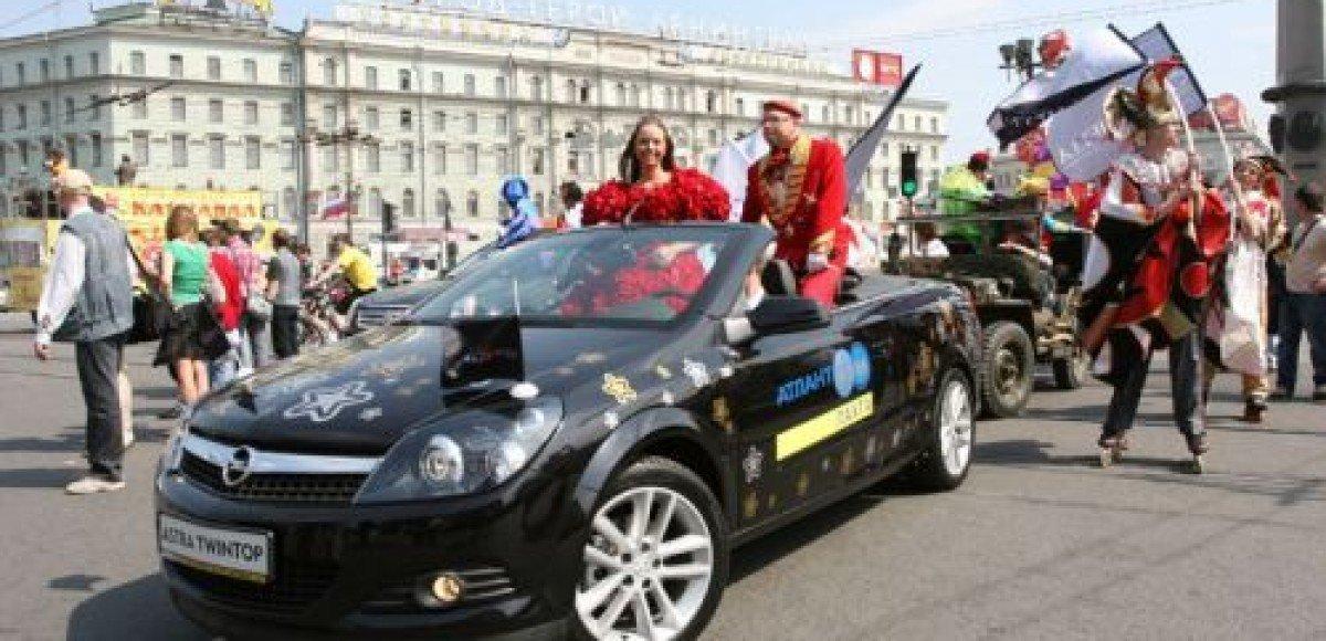 В Петербурге состоится парад кабриолетов