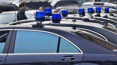 В Крыму с обрыва упал Chrysler. Погиб водитель