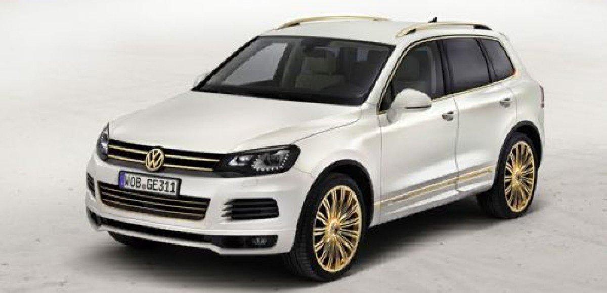 Volkswagen представил два эксклюзивных «Туарега» на автосалоне в Катаре
