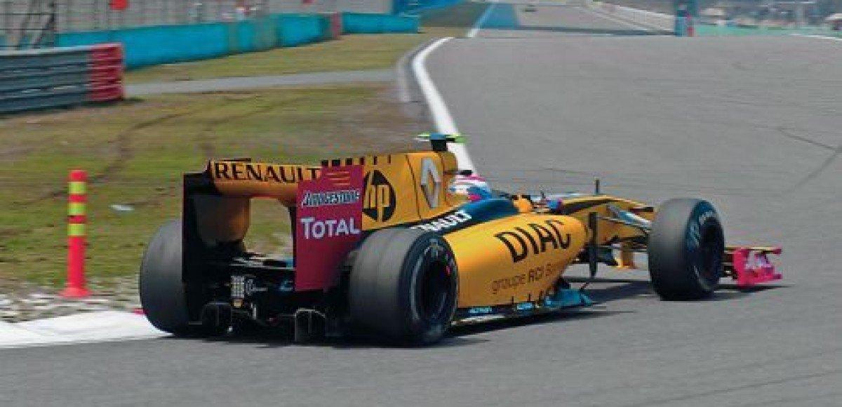Renault хочет победить Mercedes в Валенсии