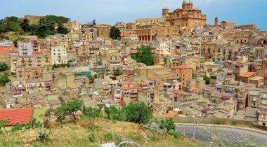 На Mercedes-Benz Vito по Сицилии. Лавка древностей
