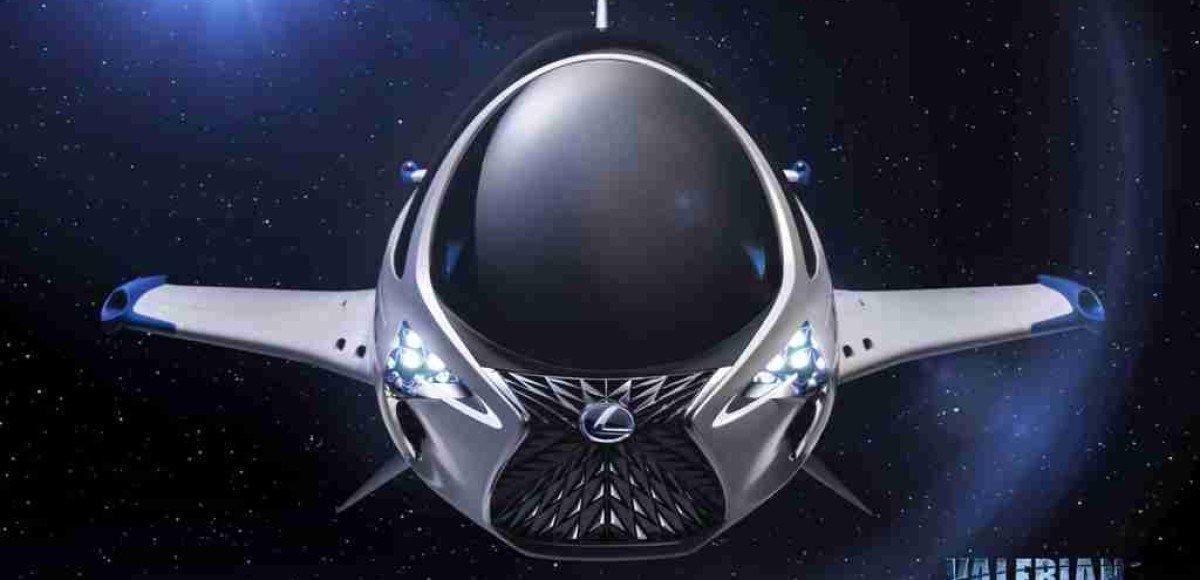 Lexus представил одноместный космический корабль.