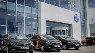 В Питере появился третий дилер Lexus