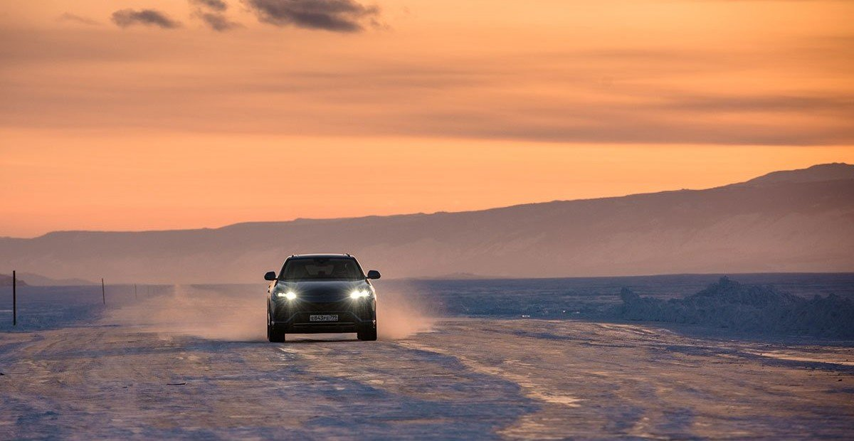 Быстрее самолёта: как я тестировал Lamborghini Urus на льду Байкала
