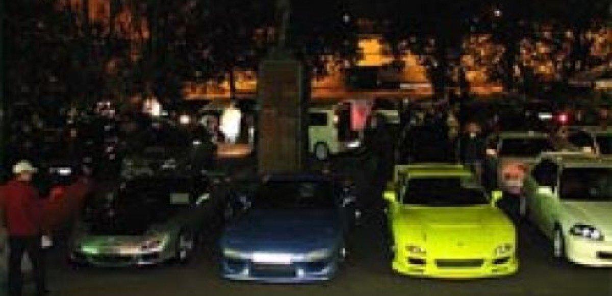 В Германии стритрейсерам помешали провести нелегальные гонки
