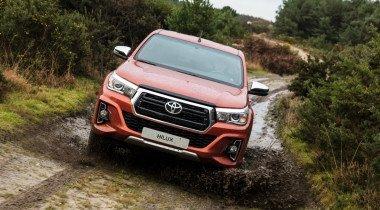 Топовую версию Toyota Hilux оценили почти в 2,7 млн рублей