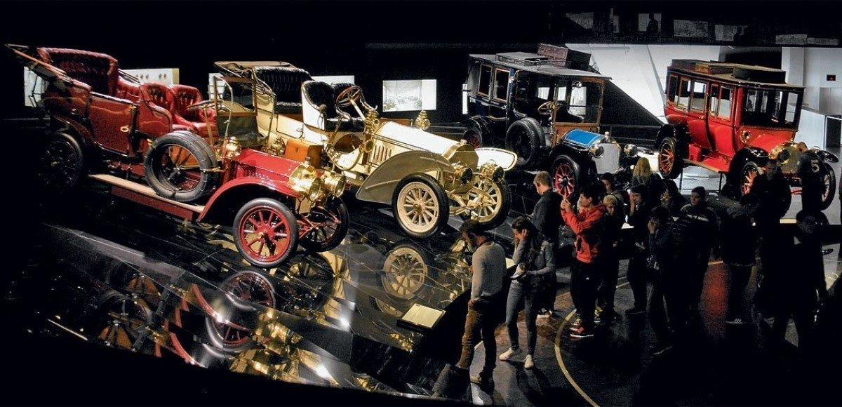 Спираль времени: музей Mercedes-Benz в Штутгарте