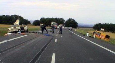 9 человек погибли в автокатастрофе в США