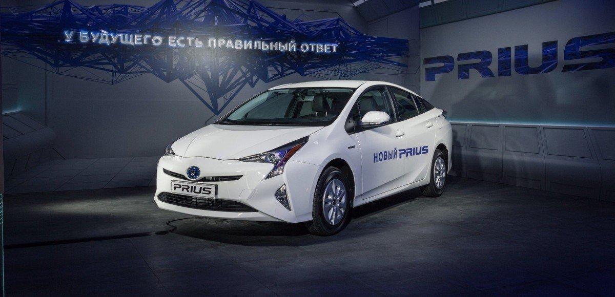 Новый «Приус»: в России с марта