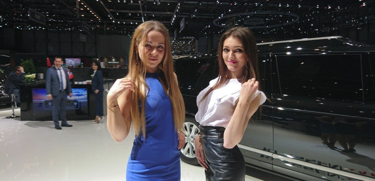 Фото девушек женевского автосалона