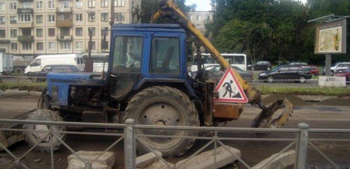 В Петербурге остановилось движение в районе станции метро «Лесная»