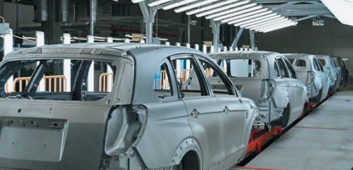 Рабочих завода GM в Петербурге отправили в двухмесячный отпуск