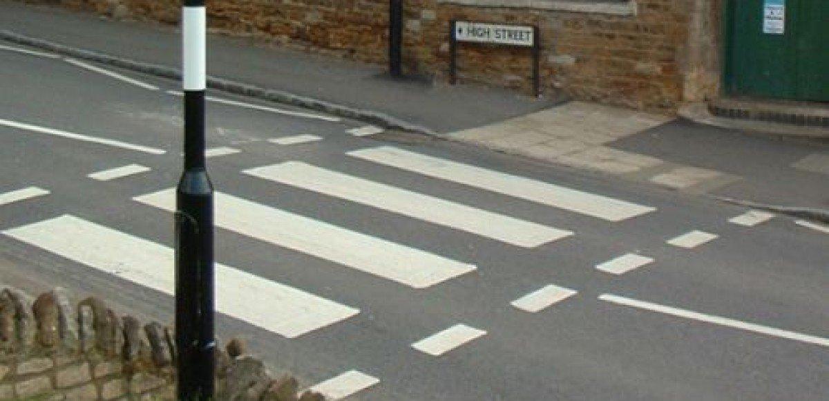 В Анапе водителей-нарушителей заставляют рисовать «зебру»