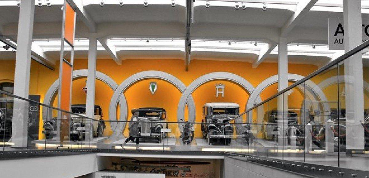 August Horch Museum. Город теней