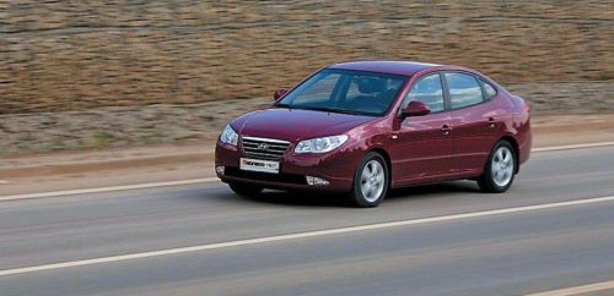 Hyundai Elantra. От 684 900 руб.