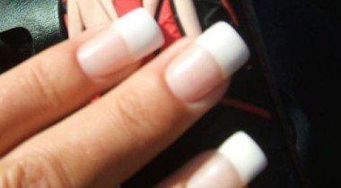 Американка потеряла в ДТП 80-сантиметровые ногти