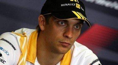Поклонники Ferrari  ругают Виталия Петрова