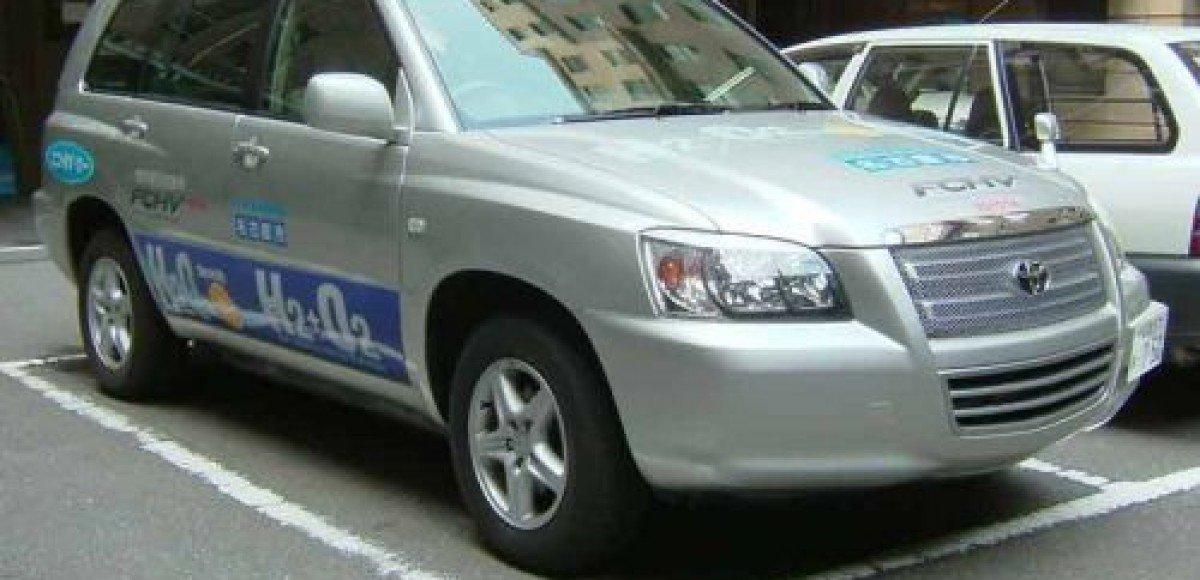 Новый Toyota FCHV-adv мороза не боится