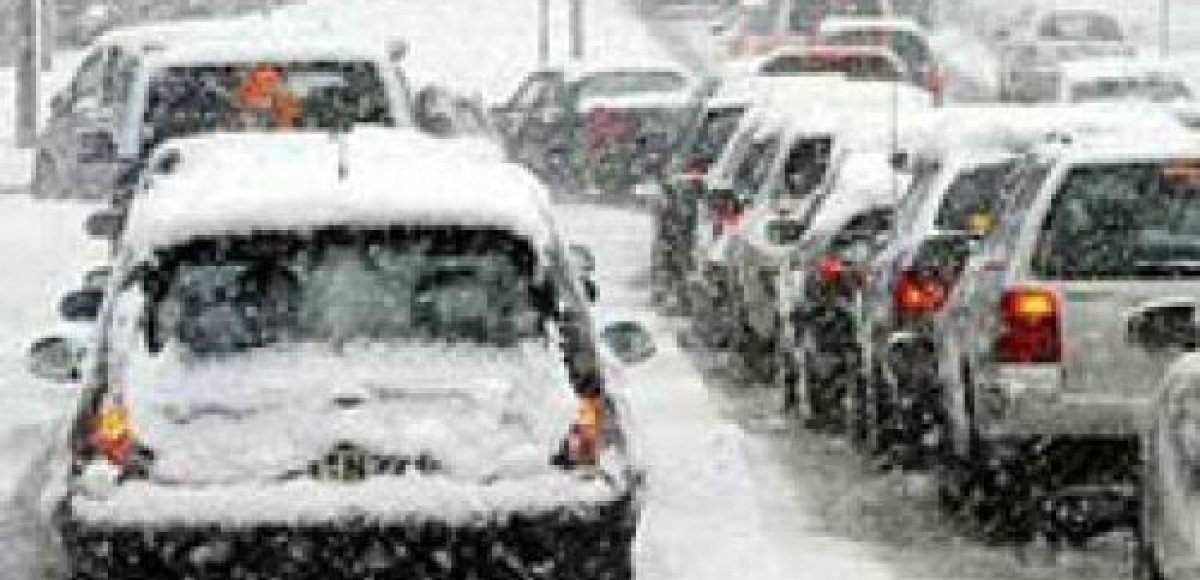 На трассе под Красноярском столкнулись 15 автомобилей