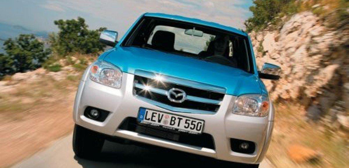 «Автомир» делает специальное предложение на покупку Mazda BT-50 и Mazda2