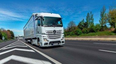 Тест-драйв нового Mercedes-Benz Actros: едем с автопилотом и без зеркал!