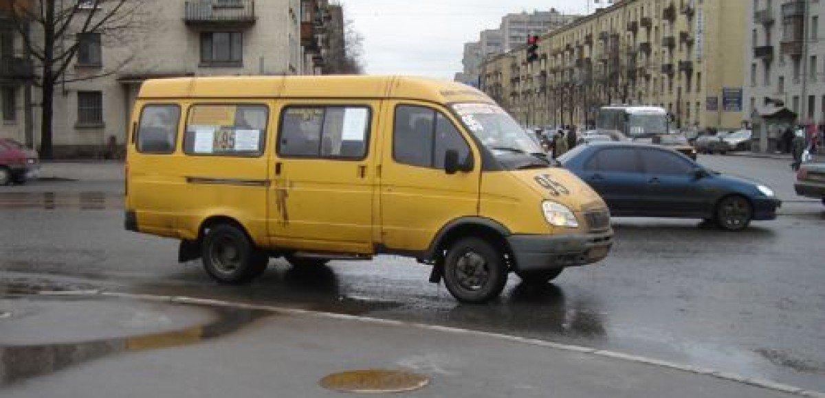 ДТП с участием маршрутного такси в Санкт-Петербурге