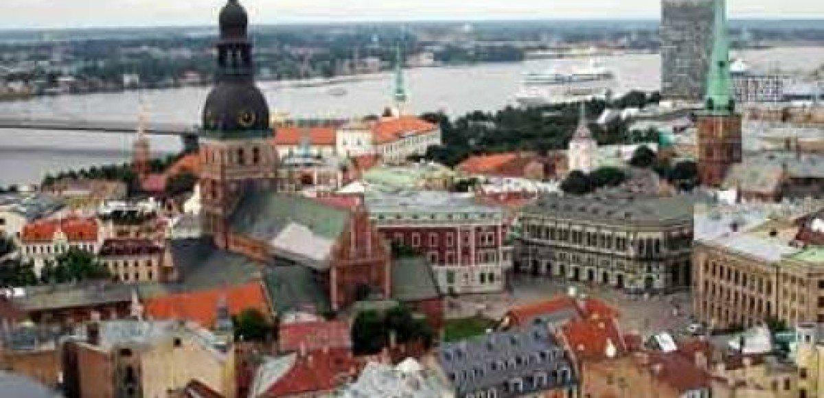 Латвийский премьер-министр разбил голову в ДТП