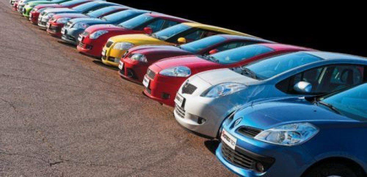 В моде серые и голубые автомобили