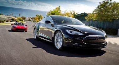 Tesla научила автопилот самообучаться