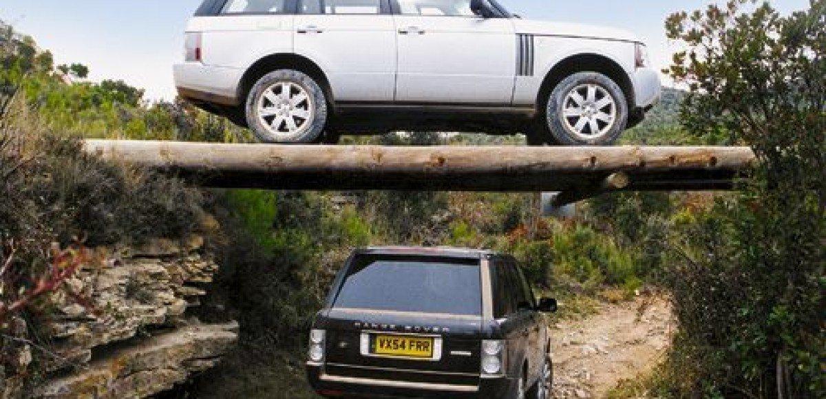В Москве за один вечер угнали два автомобиля Range Rover
