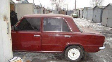 Владельцам сносимых гаражей в Петербурге обещают компенсации