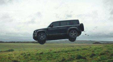 В новой «бондиане» Land Rover Defender прыгнет на 30 метров (видео)