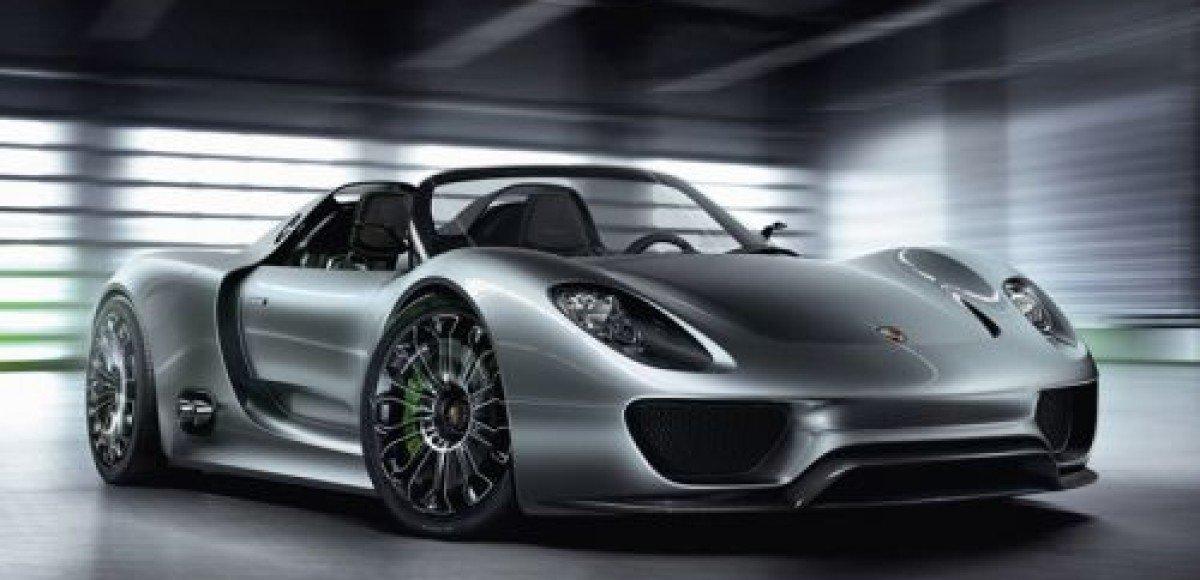 Porsche представил в Женеве концептуальный суперкар 918 Spyder Concept