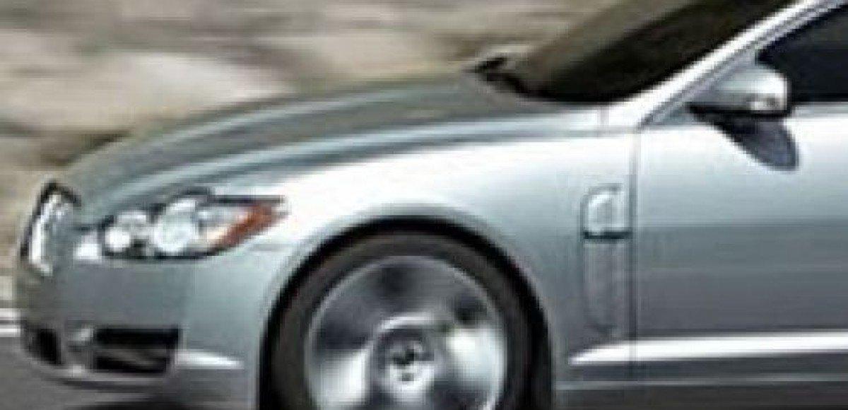 Jaguar XF. Встреча во Франкфурте