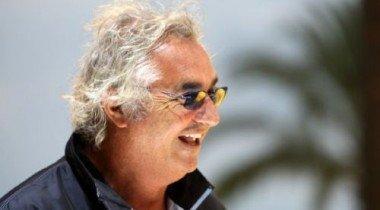 Флавио Бриаторе радуется победе Фернандо Алонсо в Японии больше, чем в Сингапуре