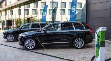 Гибрид Volvo XC90: российская премьера