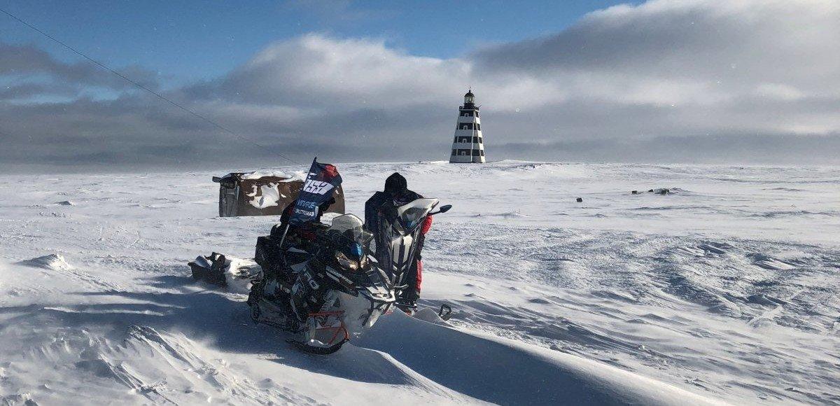 На свет маяка: путешествие на снегоходах на мыс Канин Нос