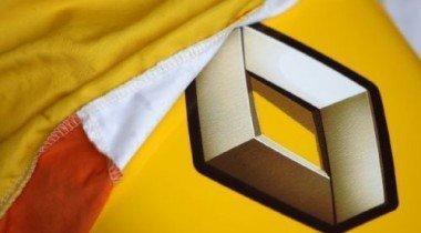 Renault работает на тестах в Англии
