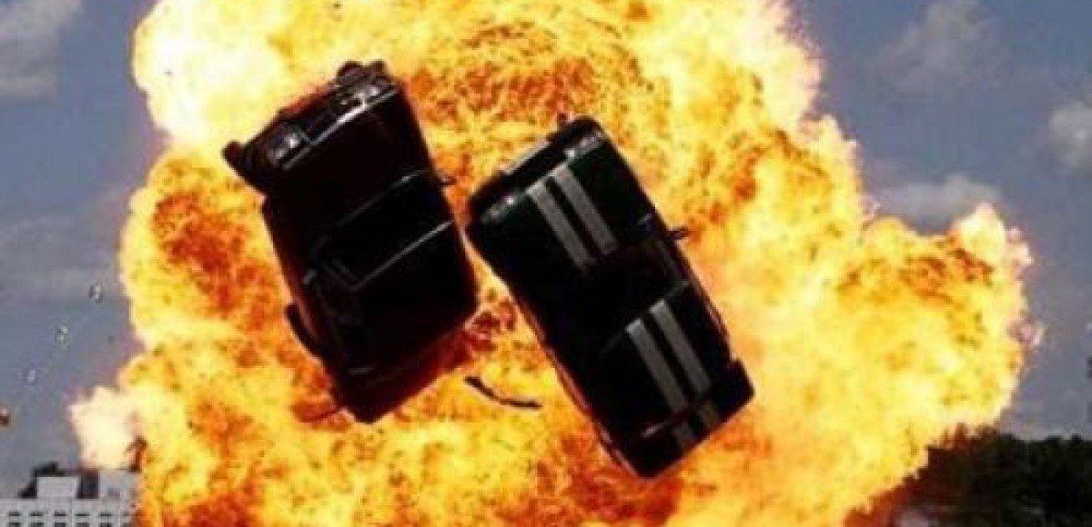 Китайский автокаскадер прокатился по «небесной дорожке» на высоте 45 метров