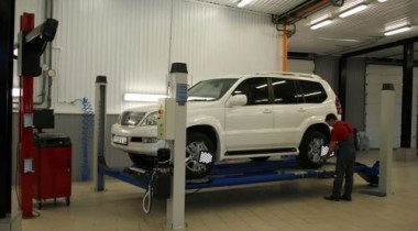 Кому доверить ремонт автомобиля «Лексус»?
