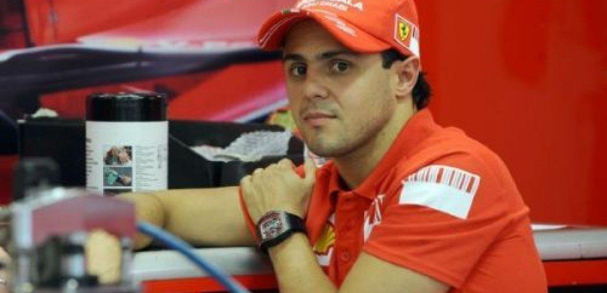 Фелипе Масса отрицает преднамеренность выбить с трассы Льюиса Хэмилтона