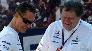 Mercedes  в 2011 году с Шумахером и Нико Росбергом