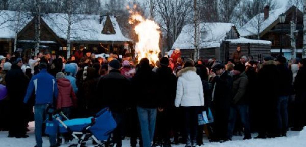 Жители Петербурга отметили Масленицу вместе с «Фольксваген Центр Пулково»