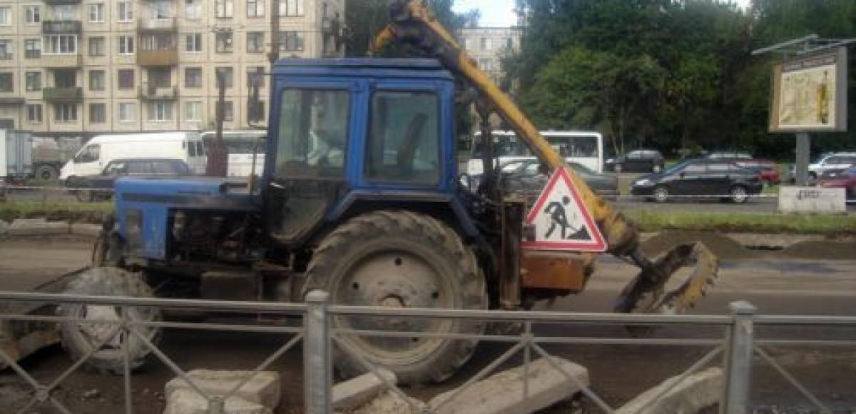 В Петербурге продолжаются дорожные работы