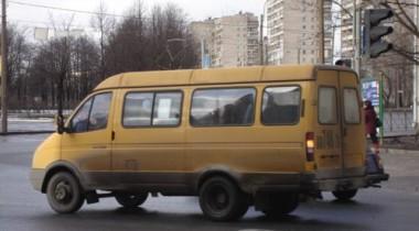 Пассажир маршрутки подрался с ее водителем